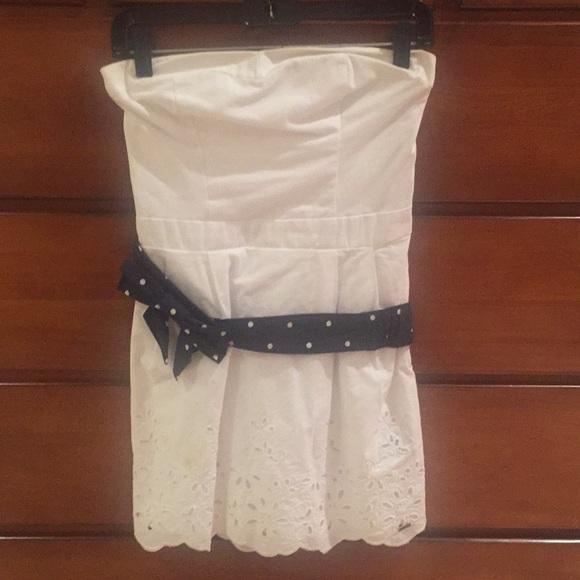 Hollister Dresses & Skirts - Hollister strapless dress. Medium. White.